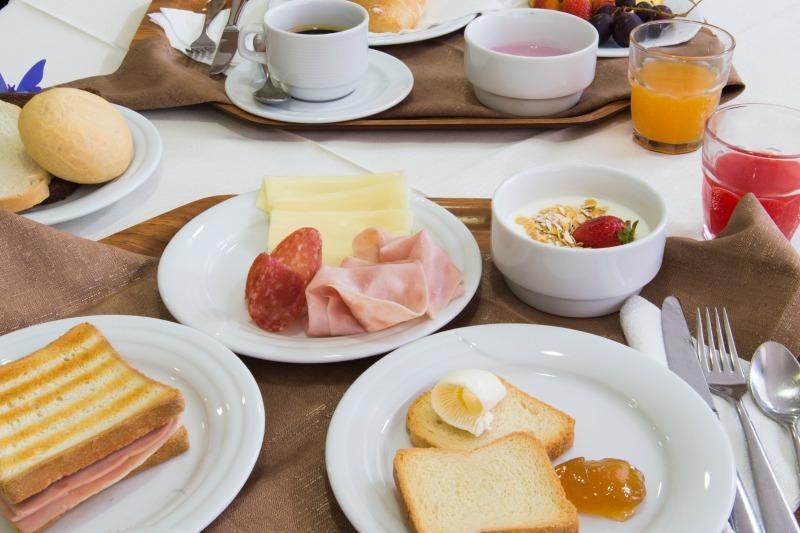 http://www.hotelvenezuela.it/wp-content/uploads/2016/03/colazione.jpeg