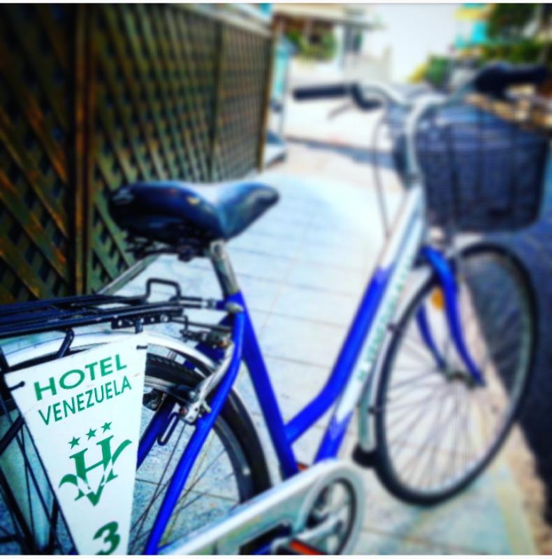 http://www.hotelvenezuela.it/wp-content/uploads/2016/11/biciclette.jpeg
