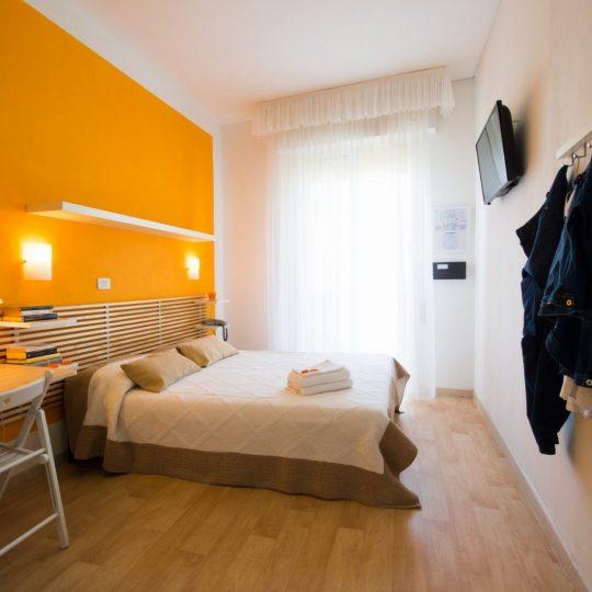 https://www.hotelvenezuela.it/wp-content/uploads/2021/04/Camera-matrimoniale-Hotel-Venezuela-Jesolo-540x540.jpg
